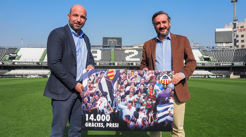 El presidente del Castellón anunciando los 14000 abonados