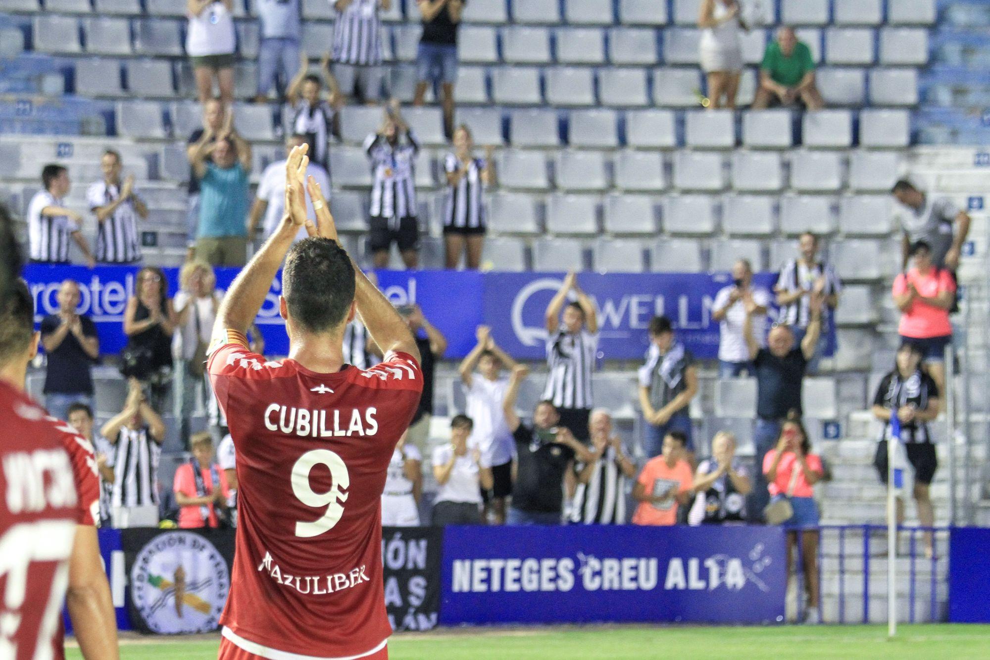 Cubillas del Castellón aplaudiendo a su afición