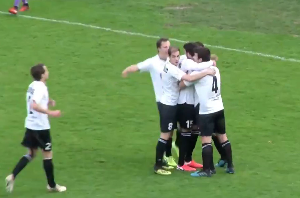 Jugadores del Real Unión Club celebrando el gol